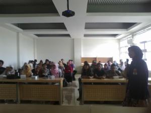 Presentasi tentang program dan berbagi inspirasi