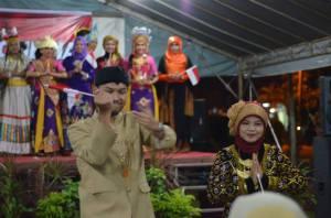 Cultural Parade, memperkenalkan pakaian adat dan tari tradisional Jawa Tengah di Negeri Sembilan, Malaysia